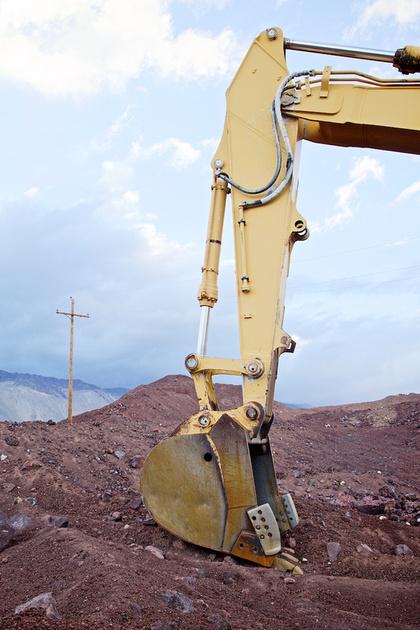 Hydraulic Shovel & Utility Pole - Red Hill Quarry - Fossil Falls, CA - 2015