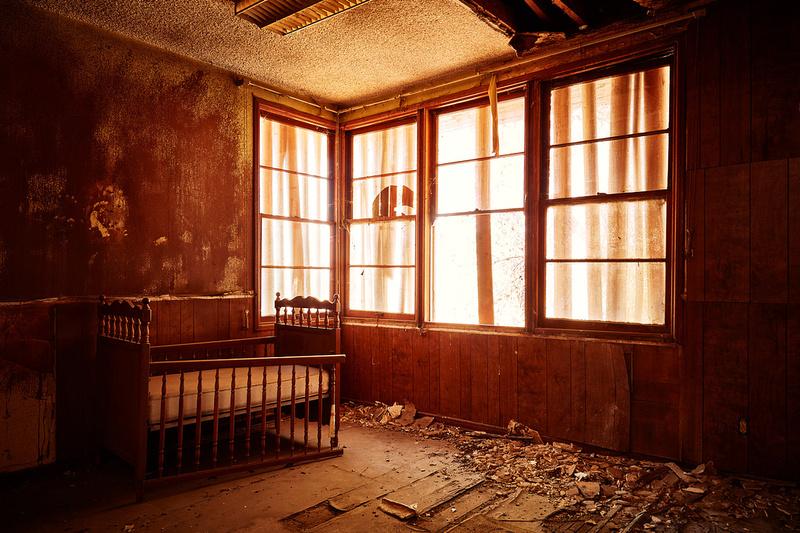 Room with Crib – Administration Building – Whittaker-Bermite Site – Santa Clarita, CA – 2017