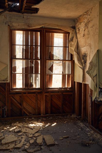 Windows & Debris – Administration Building – Whittaker-Bermite Site – Santa Clarita, CA – 2017