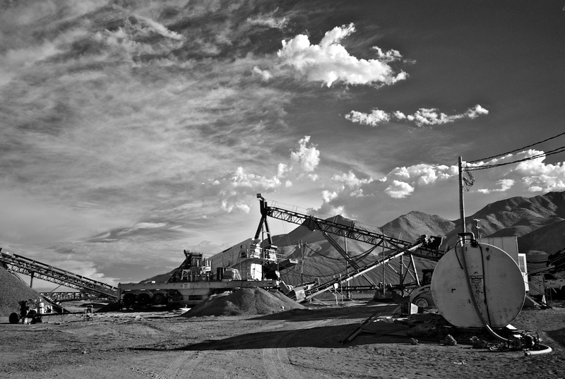 Splitter & Finish Product Screens - Red Hill Quarry - Fossil Falls, CA - 2015